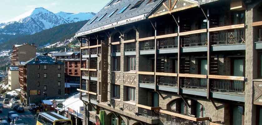 Hotel exterior 2.jpg